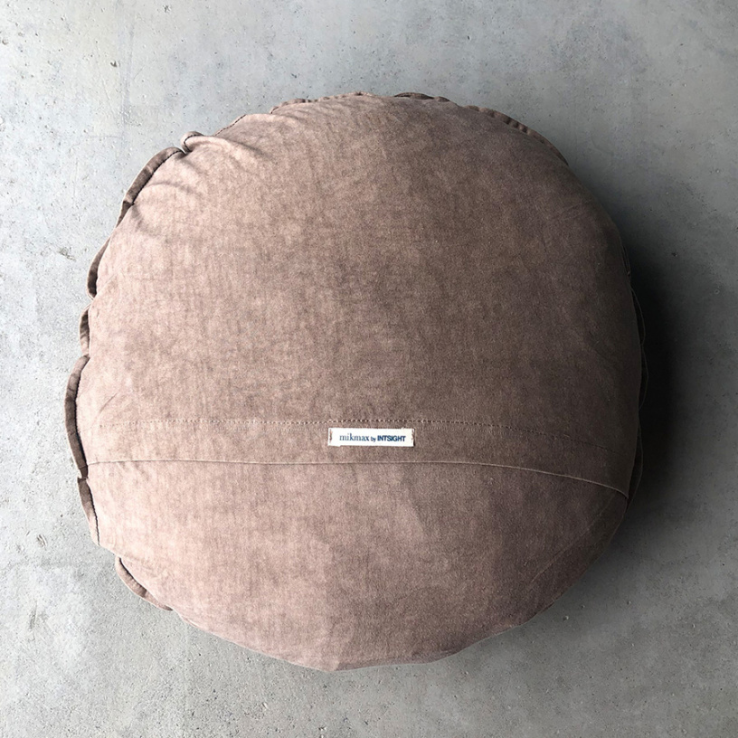 FIGUERES Dot Cushion